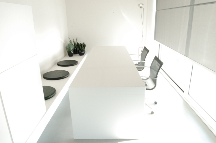 http://www.monoatelier.com/files/gimgs/28_meeting-room01.jpg