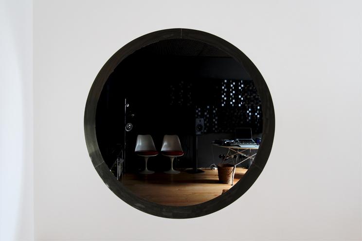 http://www.monoatelier.com/files/gimgs/39_lounge09.jpg